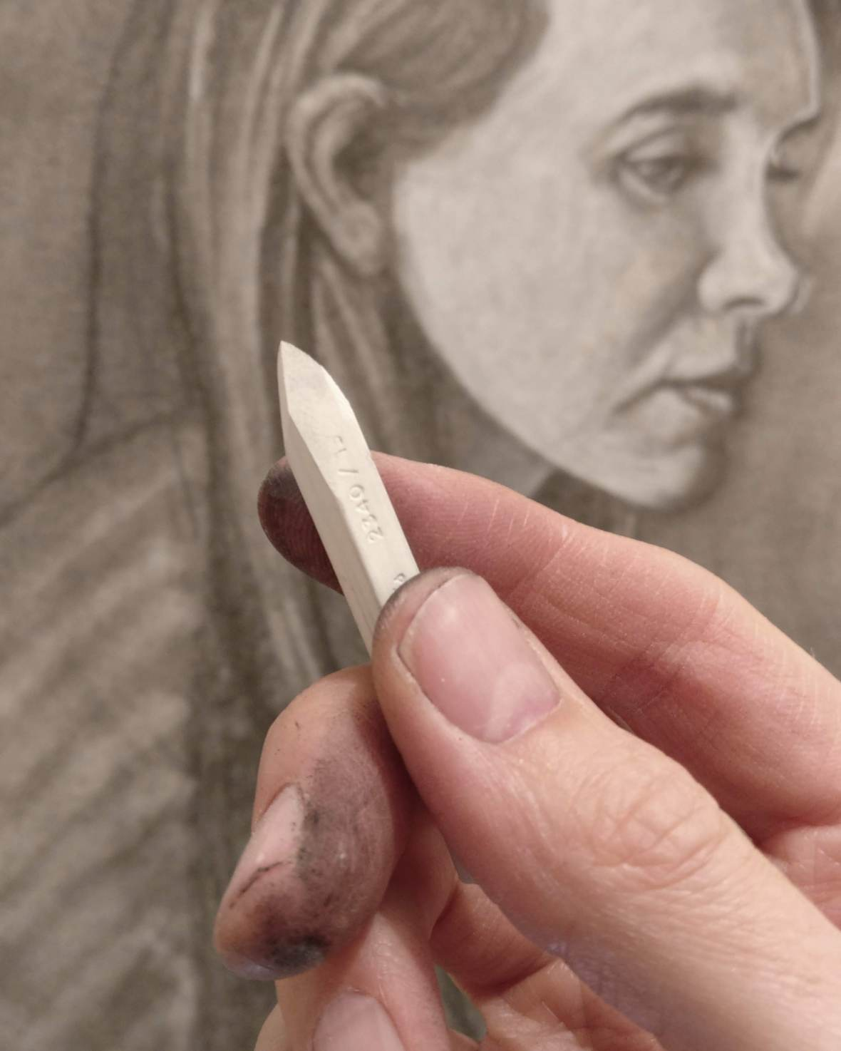 Drawing with white conte pastels